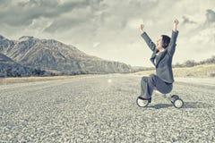Frauenreitfahrrad Lizenzfreies Stockfoto