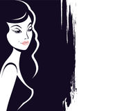 Frauenschattengesicht auf schwarzem grunge Hintergrund Stockbild