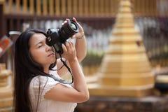 Frauenschießenfoto Stockfoto