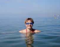 Frauenschwimmer lizenzfreies stockbild
