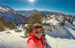 Frauenskifahren an Rofan-Bergen in den Alpen in Tirol, Österreich Stockbilder