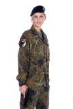 Frauensoldat mit Gewehr Lizenzfreies Stockfoto