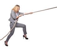 Frauenzug das Seil lizenzfreie stockfotografie