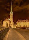 Fraumunster大教堂的塔在苏黎世, HDR 免版税库存图片