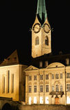 fraumunster晚上视图苏黎世 免版税库存图片