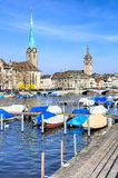 Fraumunster и церковь St Peter в Цюрихе, Швейцарии Стоковые Фотографии RF