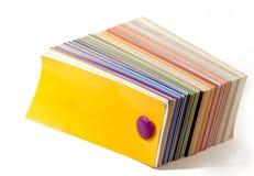 Färben Sie Anleitung geschlossen. Färben Sie cov gelb Stockbilder