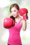Färdig kvinnaboxning Arkivbilder