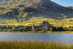 Fördärva av den Kilchurn slotten i Skottland Arkivbilder