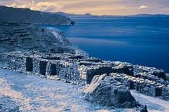 Fördärvar av Chinkana på Isla del Sol i sjön Titicaca, Bolivia Arkivbild