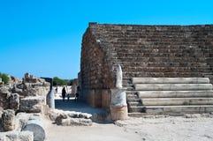 Fördärvar av forntida teater i Salamis Royaltyfri Fotografi
