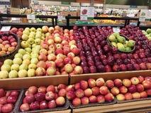 Freashfruit op vertoning in een winkel Royalty-vrije Stock Foto's