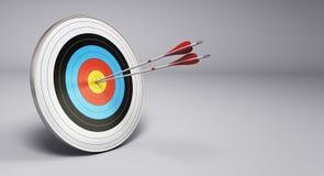 Frecce che colpiscono obiettivo, tiro con l'arco Fotografie Stock