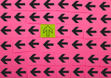 frecce Concetto verticale ed orizzontale Fotografie Stock