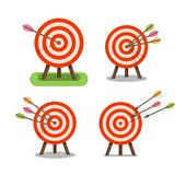 Frecce ed obiettivo che stanno sul treppiede Scopo, scopo, icona di accuratezza Illustrazione di vettore Immagine Stock Libera da Diritti