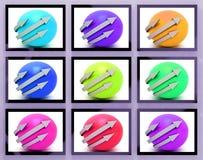 Frecce intorno alle palle sul ciclo di manifestazioni dei monitor Immagine Stock