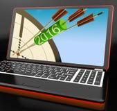 2016 frecce sul computer portatile mostra le aspettative future Fotografia Stock