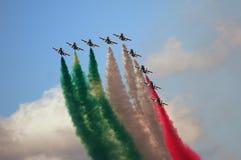 Frecce Tricolori - akrobatiskt lag för italienskt flygvapen Royaltyfri Fotografi