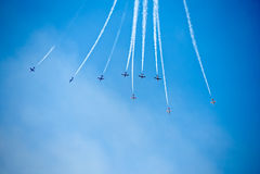 Frecce Tricolour di Frecce Tricolori a Pisa Airshow, PENTOLA acrobatica nazionale italiana Fotografia Stock