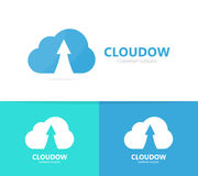 Freccia alta e combinazione di logo della nuvola Crescita e simbolo o icona di stoccaggio Il download unico e carica la progettaz Fotografia Stock