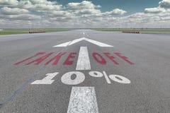 Freccia della pista dell'aeroporto 10 per cento Fotografie Stock Libere da Diritti