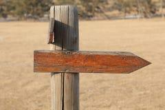 Freccia di legno fotografia stock