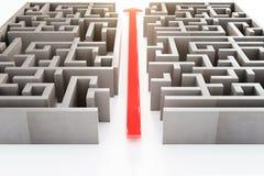 Freccia rossa tramite labirinto Immagine Stock
