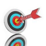Freccia su un obiettivo di tiro con l'arco  Immagine Stock