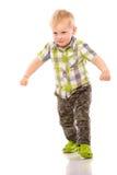 Frecher blonder kleiner Junge kurz gesagt und Hemd Lizenzfreies Stockfoto