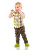 Frecher blonder kleiner Junge kurz gesagt und Hemd Stockbild