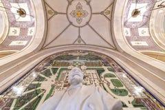 fred för korridorhague slott royaltyfria bilder