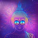 fred och förälskelse Färgrik Buddha i regnbågeexponeringsglas som lyssnar till Arkivbild