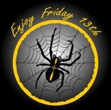 fredag 13th, elegant emblem med spindelkorsfararen, spindelnät i gul cirkel på svart lutningbakgrund Arkivfoto