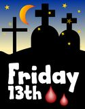 fredag 13th, 13 fredag, olycklig dag, nattkyrkogårdkontur Måne över kyrkogård Olyckligt nummer tretton Olycklig dag fredag Arkivfoto