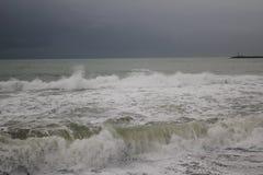 Freddo del maltempo del mare di inverno di Mar Nero della tempesta Fotografie Stock Libere da Diritti