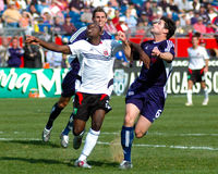 Freddy Adu et Jay Heaps image stock