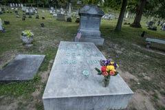 Frederick Douglass `-grav på Mt Hoppkyrkogård arkivfoton
