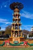 FREDERICKSBURG,得克萨斯2017年11月19日:Fredericksburg圣诞节金字塔,德国传统,架设在Marketplatz市场Squ上 免版税库存图片