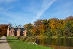 Frederiksborg-Schloss in Hillerod, Dänemark stockfotografie