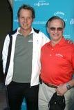 Fredrik Jacobsen e companheiros de George no desafio da fundação do golfe de Callaway que beneficia o cancro da fundação do indust Imagem de Stock