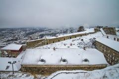Fredriksten堡垒,北Curtin墙壁(冬天场面) 免版税库存照片