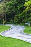 Fredväg i park Royaltyfria Bilder