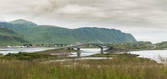 Fredvang mosty, Fredvangbruene, są dwa wsporników mostami, Nordland okręg administracyjny, Norwegia zdjęcia royalty free