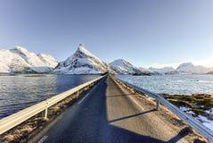 Fredvangbruggen - Lofoten-Eilanden, Noorwegen stock afbeeldingen