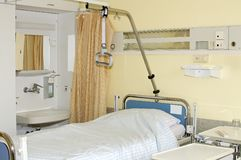 Free bed in the hospital Royalty Free Stock Photography