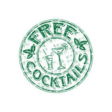 Free cocktails stamp. Green grunge rubber stamp with cocktail glasses, mint leaves and the text free cocktails written inside the stamp Stock Photo