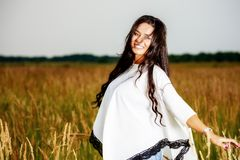 Free Happy Woman Enjoying Nature and Freedom. Beauty Girl Outdoo. R Royalty Free Stock Photos