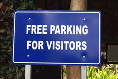 Free parking ofr visitors sign Stock Photo