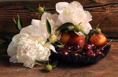 Free stock photo of fruit, still life, still life photography, flower arranging Stock Photography