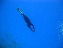 Freediver e bolle Fotografie Stock Libere da Diritti